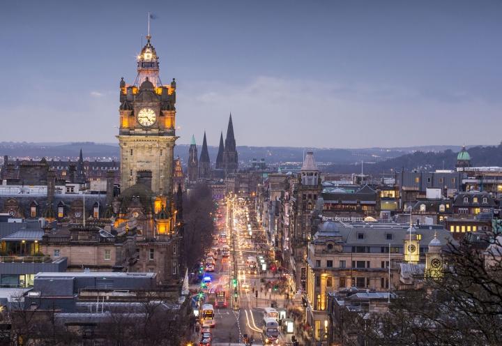 Abendlicher Blick über Edinburgh