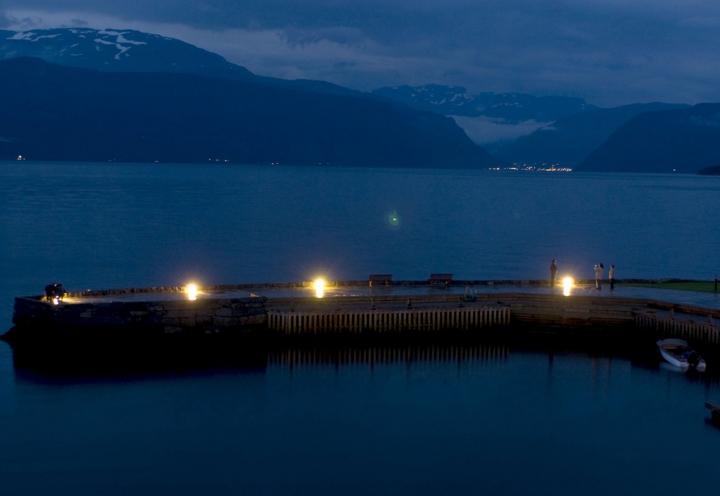 Abendstimmung an einem norwegischen Fjord