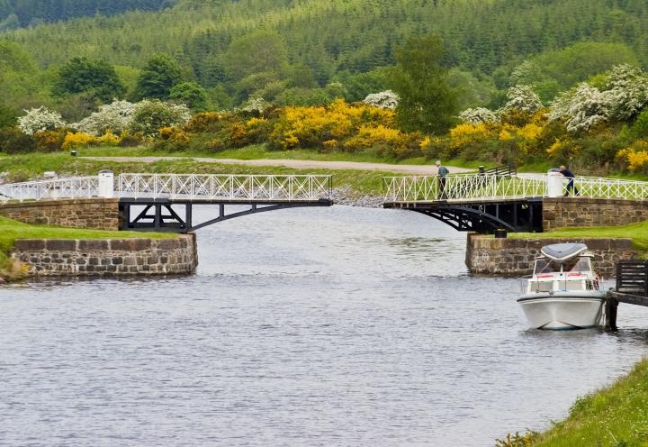 Drehbrücke am Kaledonischen Kanal