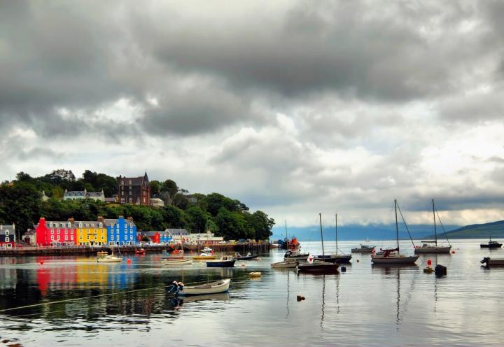Blick von See auf Tobermory