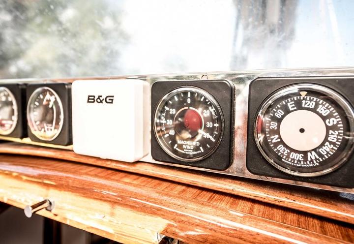 Segelyacht Logoff Instrumente B&G