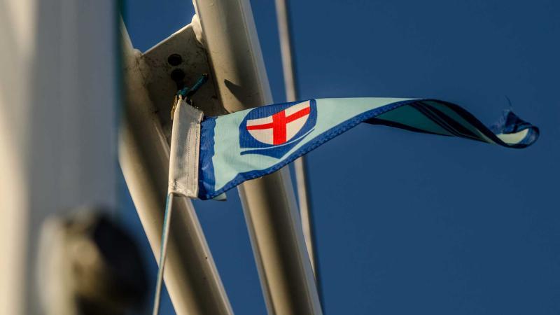 HSCF-Stander an der Segelyacht Logoff